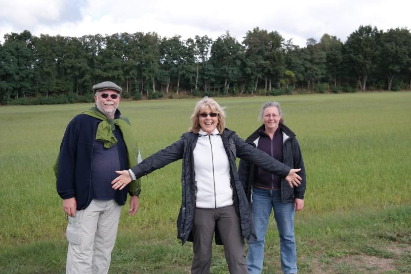 3 walkers nearing Hitzacker